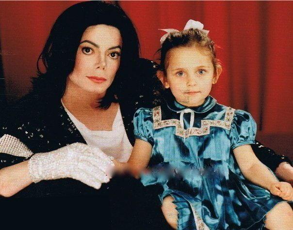 迈克尔・杰克逊长女将首献银屏 与塞隆合作惊悚片
